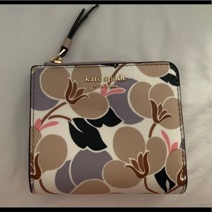 Kate Spade Floral Mini Wallet *new with tags*